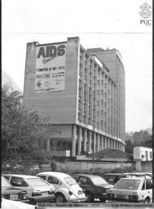 Faixa do 1º Simpósio Nacional sobre a Aids, na lateral do Edifício Cardel Leme.