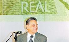 Fernando Henrique Cardoso durante o lançamento do Plano Real.
