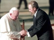 João Paulo II em Cuba, recebido por Fidel Castro.