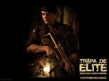 Cartaz de divulgação do filme Tropa de Elite.