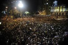 Primeiro protesto de vulto no Rio de Janeiro, em 17/06/2013, com mais de 100 mil pessoas no centro da cidade. Fotógrafo Tomaz Silva, Agência Brasil.
