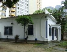 Vista lateral da Casa Del Castillo. Fotógrafo Antônio Albuquerque. Acervo do Núcleo de Memória.