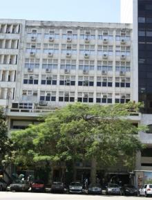 Fachada do prédio onde está instalada a Unidade Centro do CCE. Fotógrafo Antônio Albuquerque. Acervo do Núcleo de Memória.