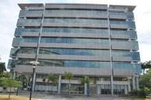 Fachada do prédio onde está instalada a Unidade Barra da Tijuca do CCE. Fotógrafo Weiler Filho. Acervo do Projeto Comunicar.