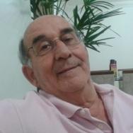 O Prof. Carlos Alberto em foto recente, enviada pelo Prof. Edgar Lyra.