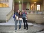 Hélio, Juliana e Eduardo em frente ao local do Seminário.