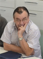 O Prof. Sergio Bonato em reunião no Núcleo de Memória. Fotógrafo Antônio Albuquerque. Acervo Núcleo de Memória.