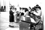 Missa antes da Aula inaugural, no antigo ginásio esportivo. 1980. Fotógrafo Antônio Albuquerque.