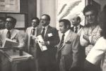 Visita dos representantes da FINEP ao Departamento de Química. Ao centro, o prof. José Pelúcio Ferreira (FPLF) e o reitor pe.Mac Dowell S.J.. Fotógrafo Antônio Albuquerque.