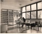 Sala de leitura da Biblioteca Central. 21/02/1972. Fotógrafo desconhecido. Acervo do Projeto Comunicar.