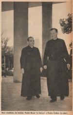 Dois cientistas de batina: Padre Roser (o baixo) e Padre Cullen (o alto). Nos pilotis da PUC, com o Corcovado ao fundo. 1958.  Revista Mundo Ilustrado.