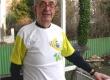 Padre Benkö com camisa da torcida brasileira, na casa jesuítica onde morava. Budapest - janeiro/2007.